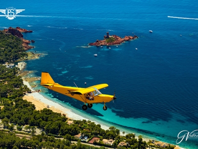 le littoral avion jaune