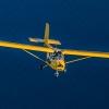avion-jaune-frejus-var